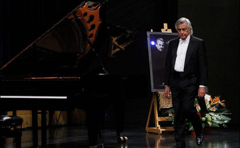 رسیتال پیانوی رافائل میناسکانیان، نوازنده باسابقه در آستانه ۷۵ سالگیاش
